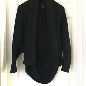 BCBGMaxAzria Black 🖤 thick knit cozy sweater